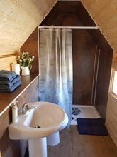 Viking-XL Camping Hut with 2 extensions Pic 6
