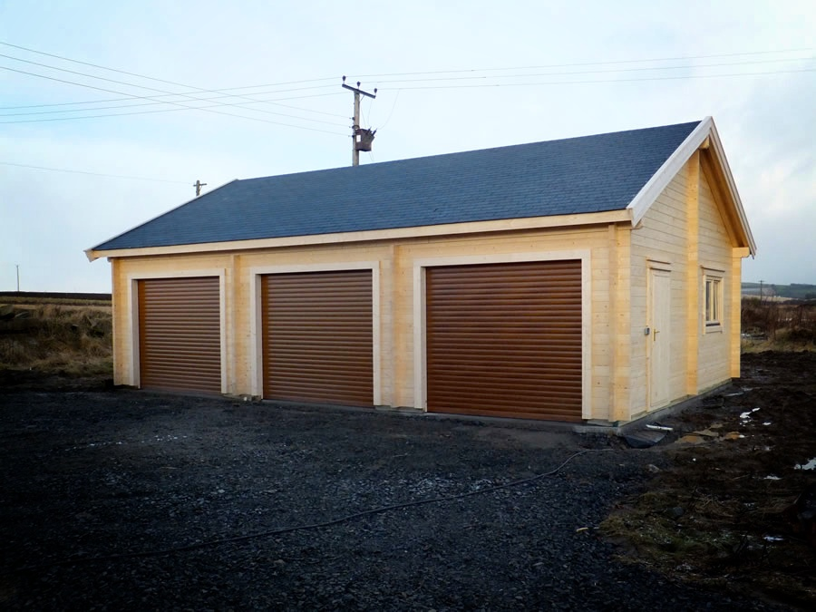 Triple garage 700x1000 by forest log cabins for Log cabin garage