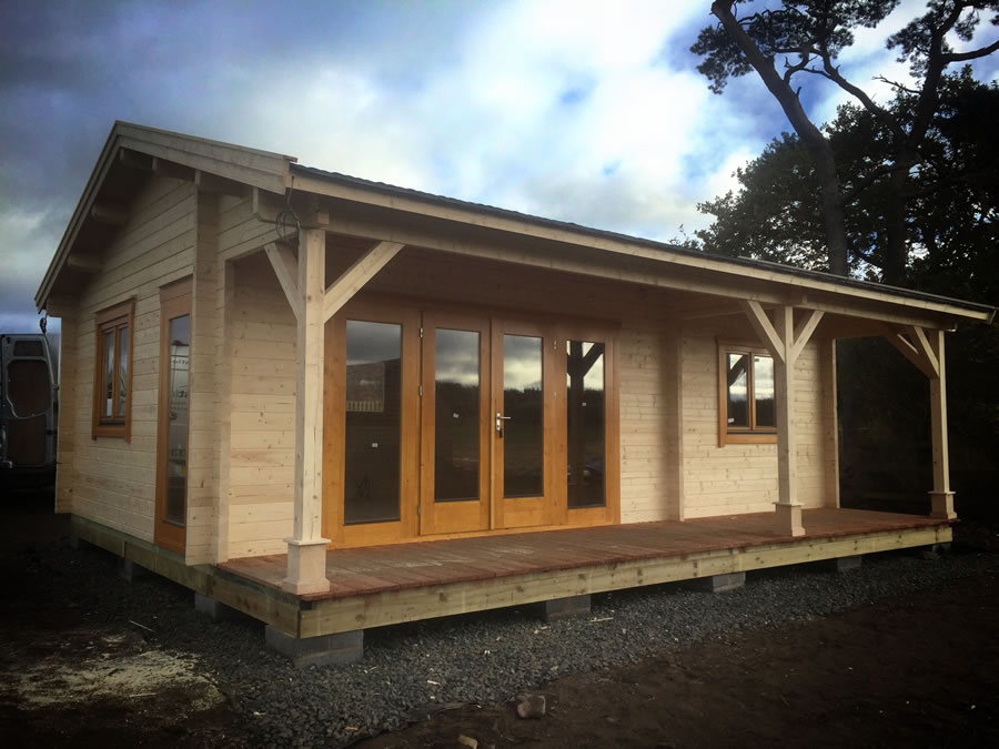 FPL9418 - Leisure Cabin 600x800 with Integral 150 Canopy