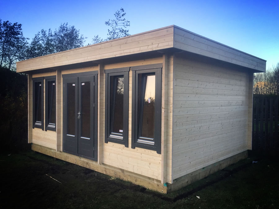 FPL9423 - Flat Roof Log Cabin 400x550