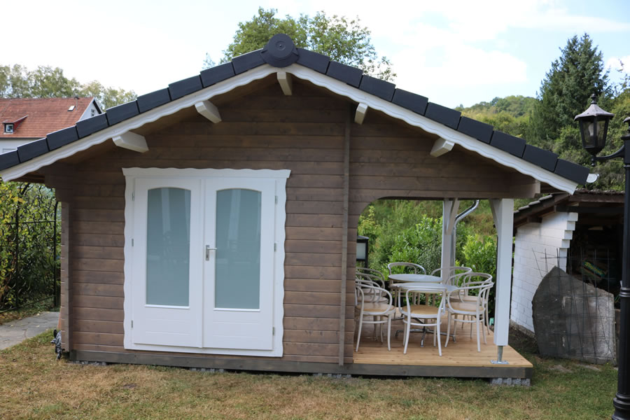 FPL9484 - Liechtenstein Cabin 300x300 with side roof